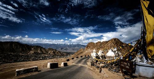 travel-to-ladakh-via-srinagar