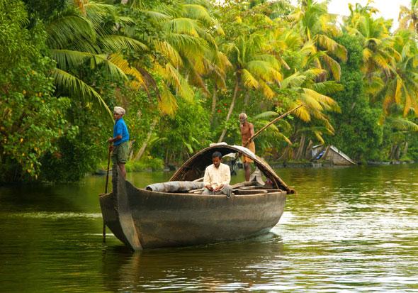 Canoe-Cruise-alleppy