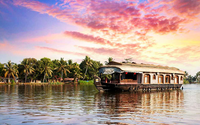 Alleppey Houseboat in Kerala