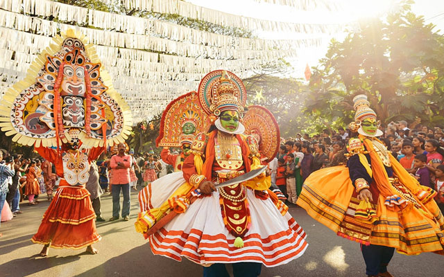 Traditional Kathakali dance on New Year carnival in Fort Kochi (Cochin), Kerala, India.