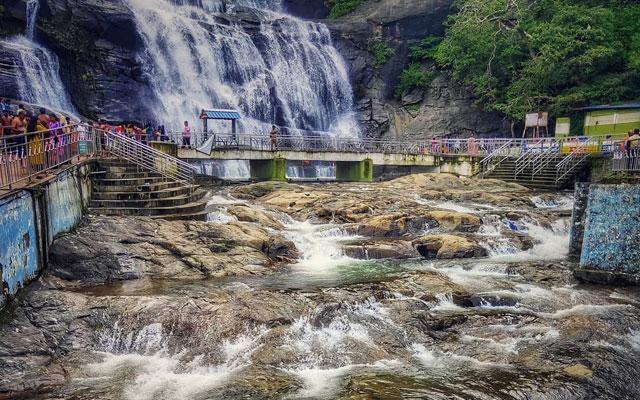 Coutrallam waterfalls in Tenkasi