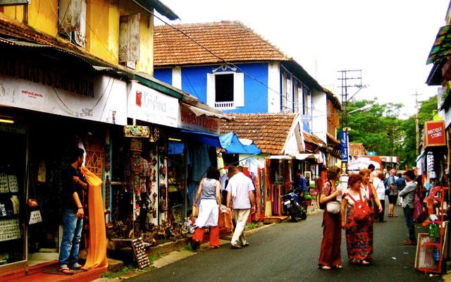 Shopping at Fort Kochi Streets