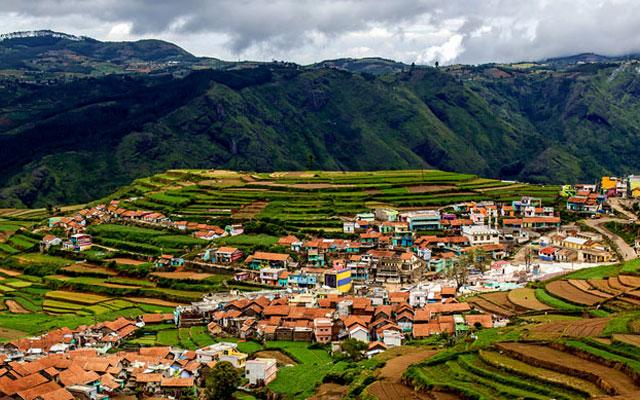 An amazing view of Poomparai village in Kodaikanal