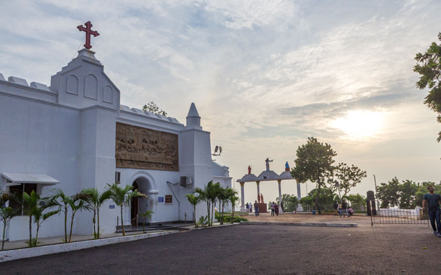 Wide view of sunset in Saint Thomas Mount Church in Chennai