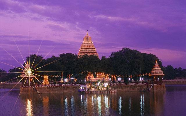 A glimpse of Madurai Vandiyur Mariamman Teppakulam (Pond) during Float Festival