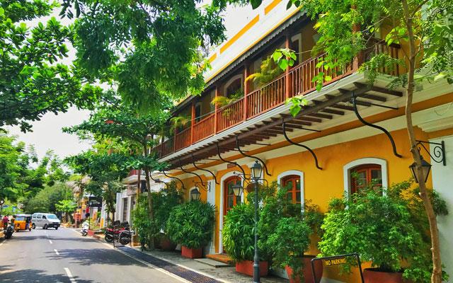 strolling in Pondicherry