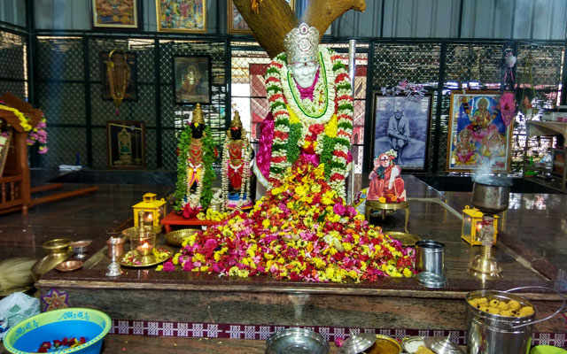 The idol of Akkaraipatti Shirdi Sai Baba before the construction of the temple