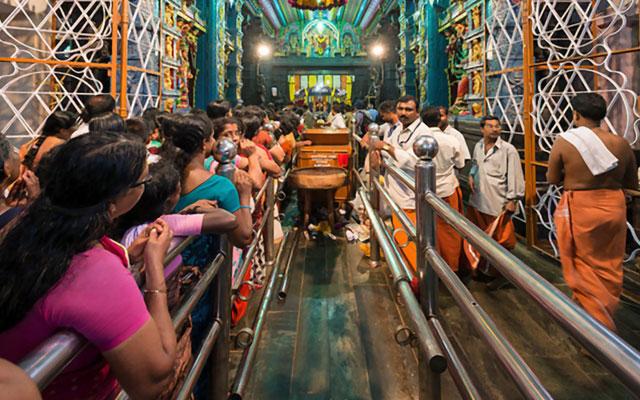 Devotees in Attukal Bhagavathy Temple