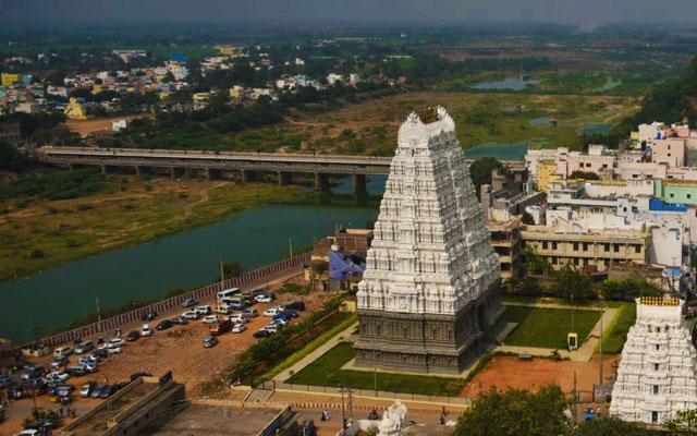 Srikalahasti Temple in Andhra Pradesh