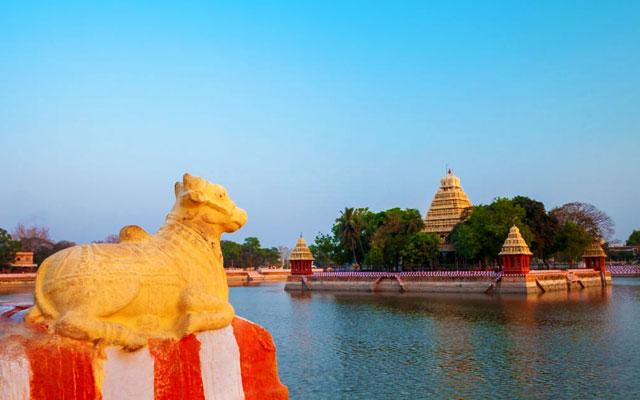 Vandiyur Mariamman Temple or Maariamman Kovil Teppakulam in Madurai city in Tamil Nadu in India