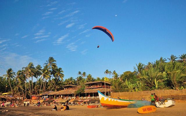 A glimpse of Paragliding in Arambol Beach in Goa.